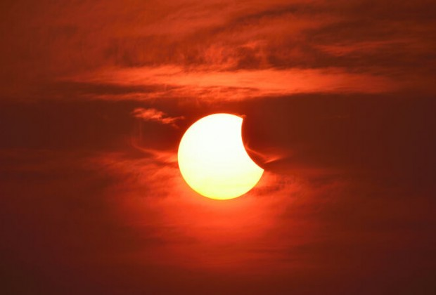 eclipse-solar-1400x800-0218